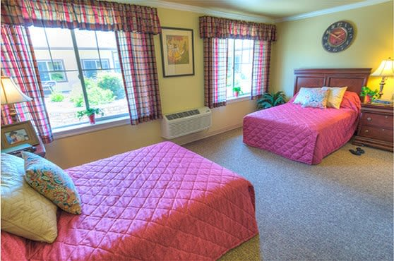 Apartment bedroom at Sierra Ridge Memory Care in Auburn