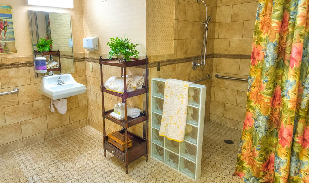 Beautiful Bathroom in Senior-Living in Auburn