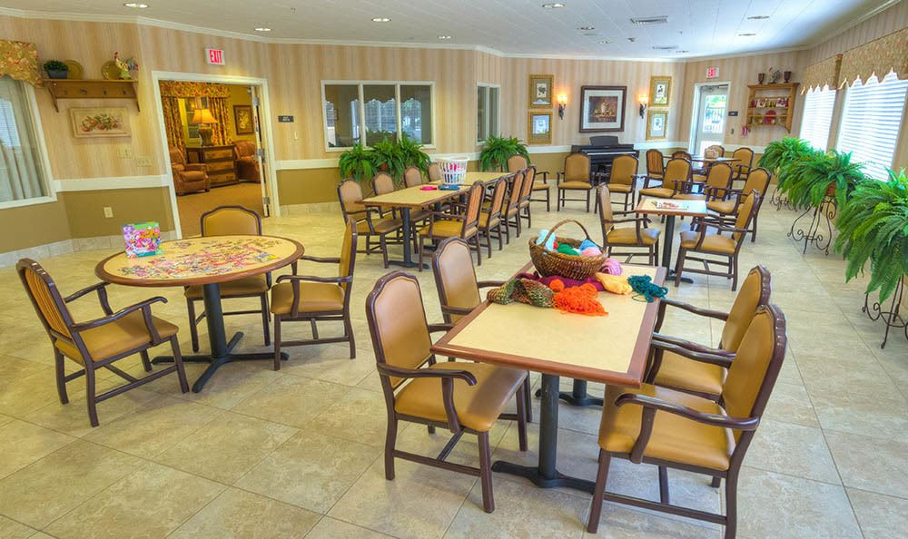 Sierra Ridge Memory Care Community Dining Room in Auburn
