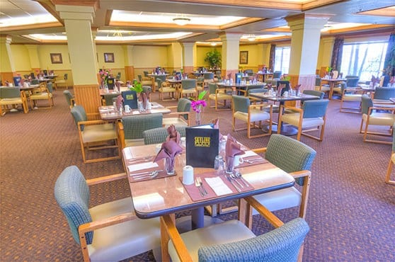 Dining Room at Skyline Place Senior Living in Sonora
