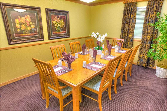 Private Dining Room Skyline Place Senior Living in Sonora