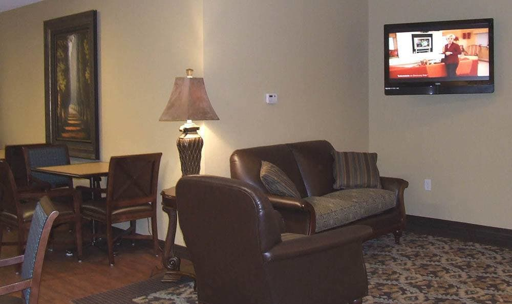 TV Lounge Area At Skyline Place Senior Living