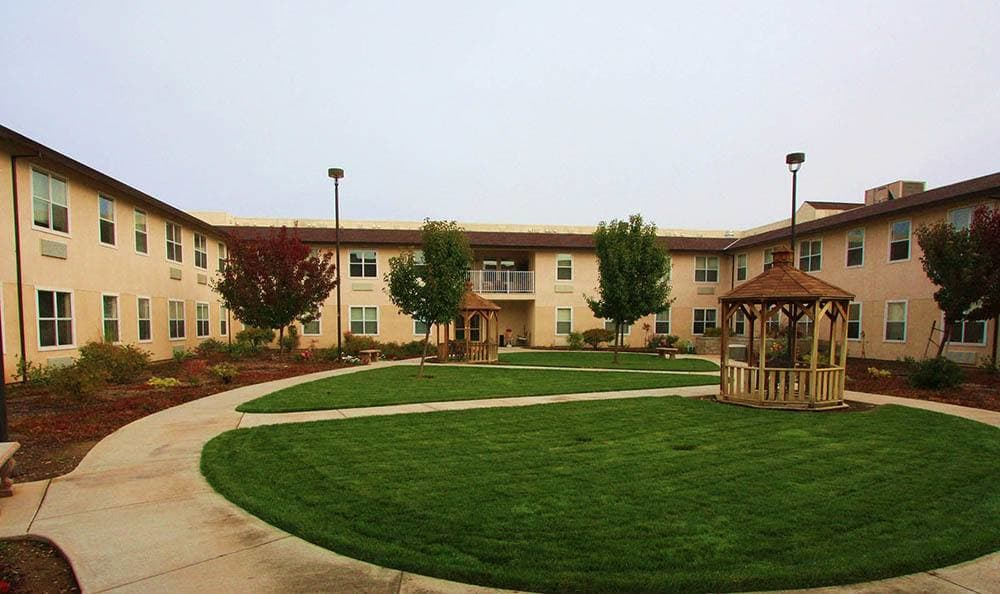 The Meadows - Assisted Living Outdoor Courtyard in Elk Grove.