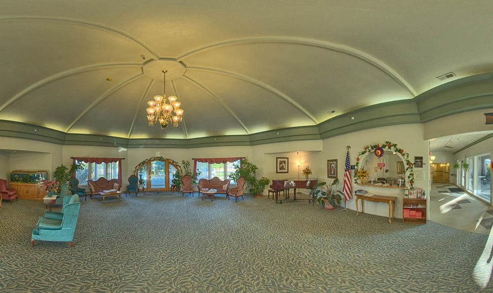 Large Dining Room at Wellsprings Assisted Living