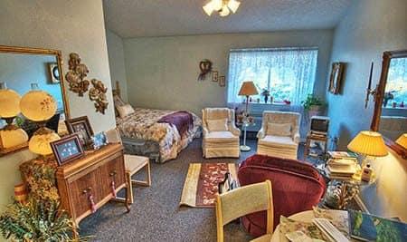 Senior Living Studio in Ontario