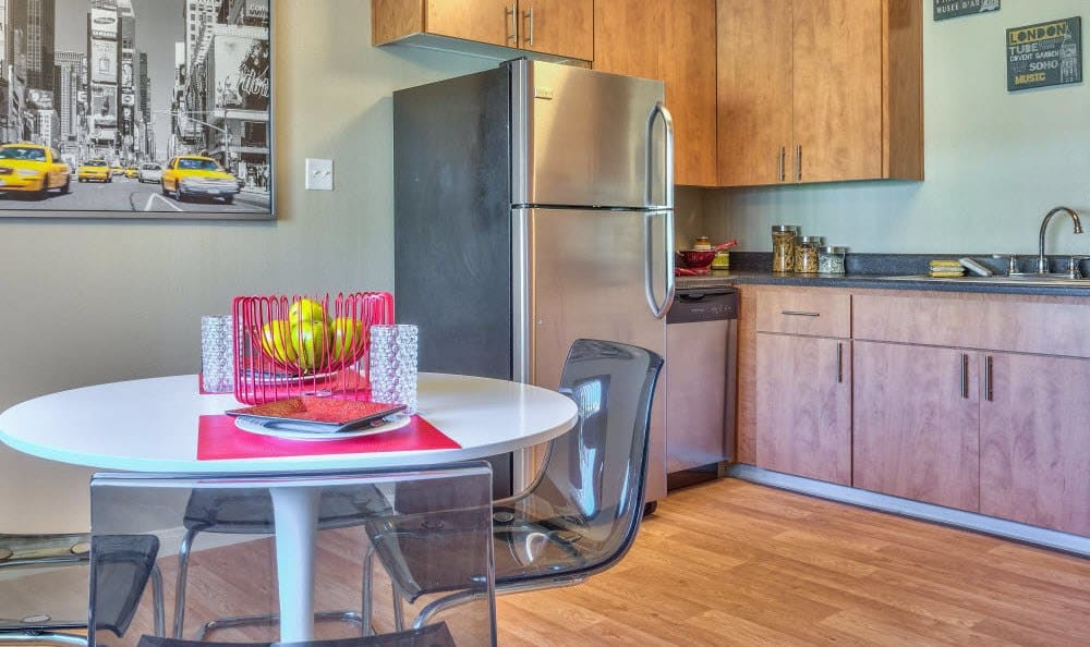 An example kitchen at the apartments for rent at Alvista Long Beach