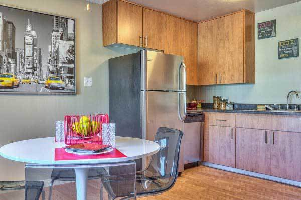 An example kitchen in one of the apartments for rent at Alvista Long Beach
