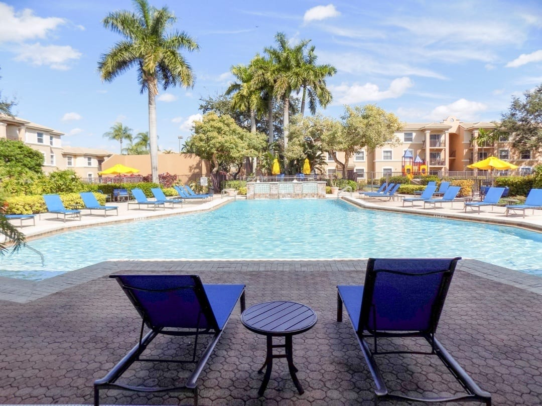Clubhouse Pool View At Apartments For Rent In Pembroke Pines