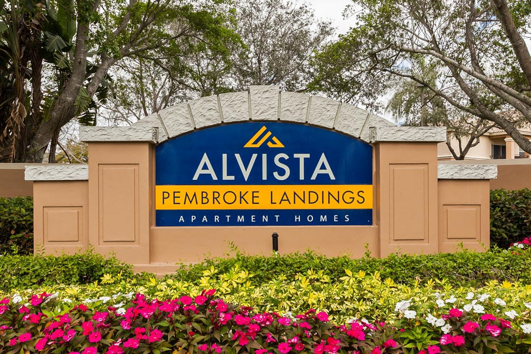 Sign At Apartments For Rent In Pembroke Pines