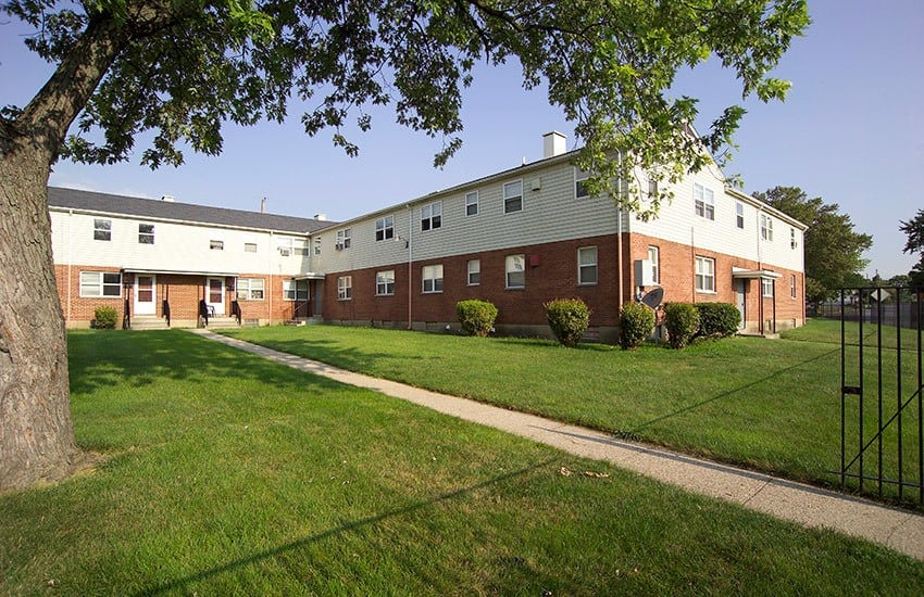 Open space at Bancroft Apartments for you and your children to enjoytheday!