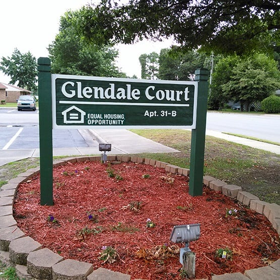 Glendale Court Apartments community highlights