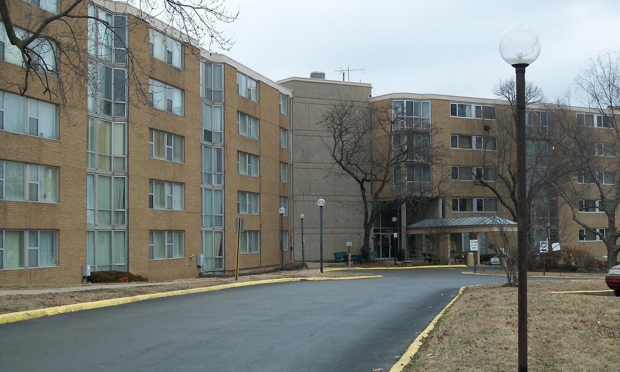 Learn more about our affordable senior apartments in Kansas City, MO; schedule your tour today!
