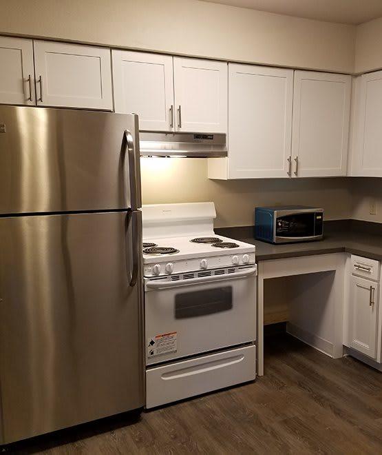 Maryel Manor Apartments community highlights