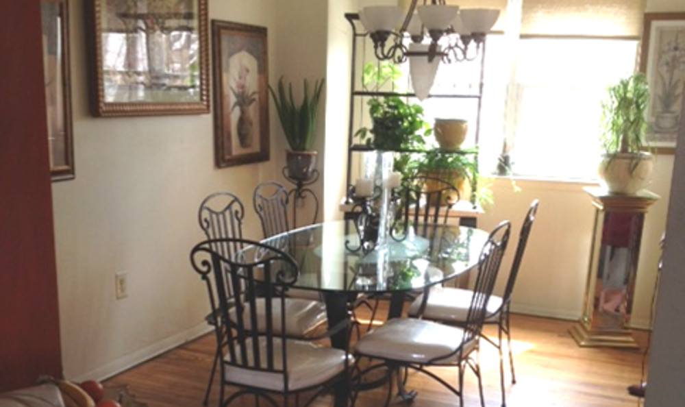 Dining room at Darby Townhomes