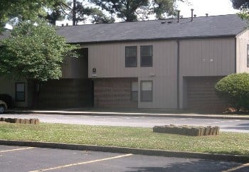 Building Exterior at Meadow Run Apartments in Anderson