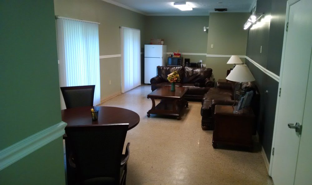 Spacious living room at Eagle Ridge in Dayton, OH