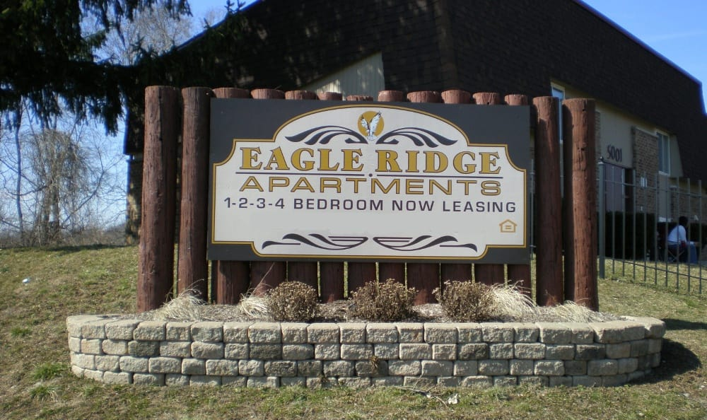 The entrance sign at Eagle Ridge in Dayton, OH