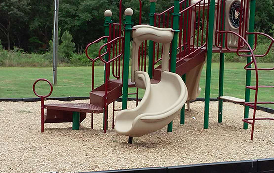 Our resident parents and children love our on-site playground here at Oak Forest.