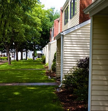 Curious about amenities at Hillside Village Apartments? Contact us today to learn more!