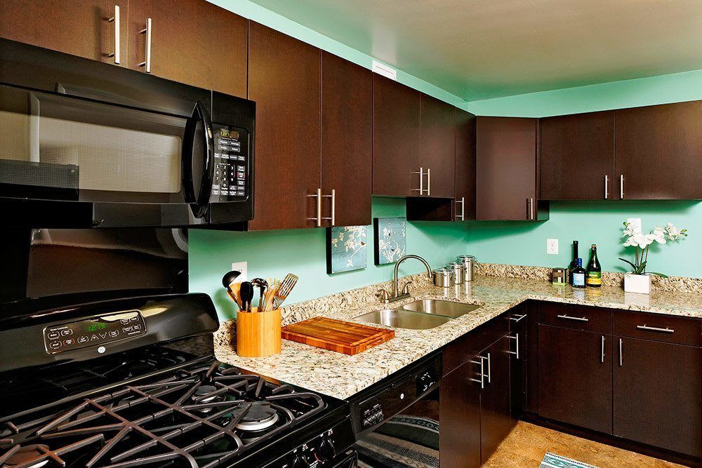 Example kitchen 2 at The Warwick Apartments