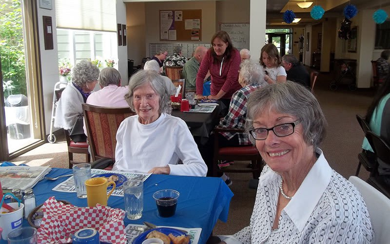 Lunch with friends at Bayberry Commons Assisted Living and Memory Care
