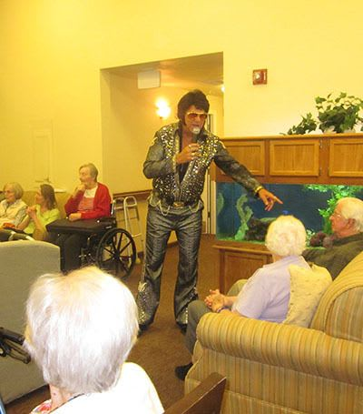 Fun activities at Chateau Gardens Memory Care.