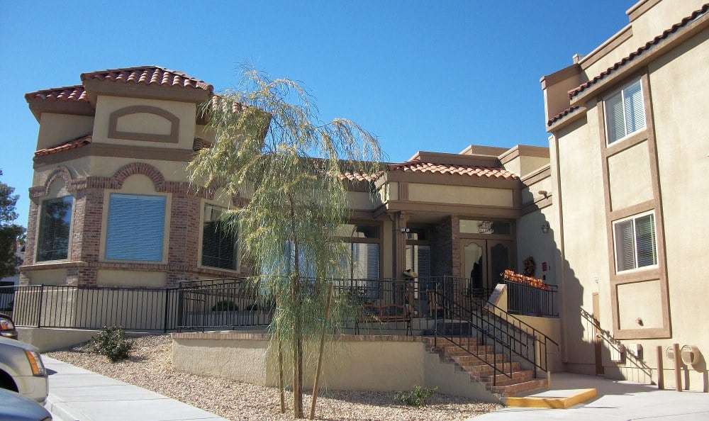 Front entry at Lakeview Terrace of Boulder City