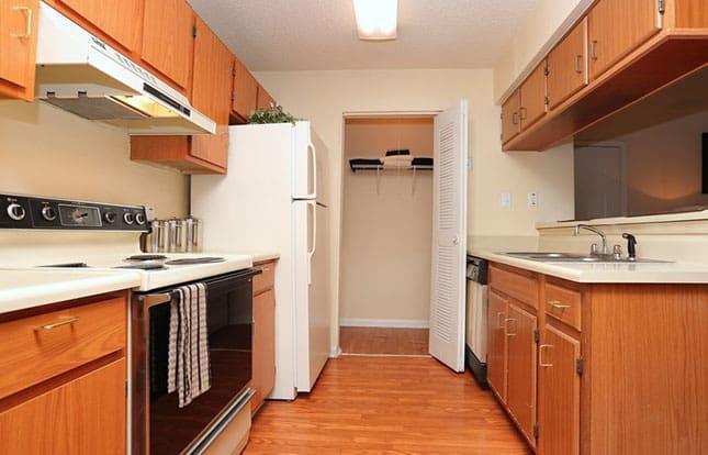 Parc Shores Apartment Kitchen