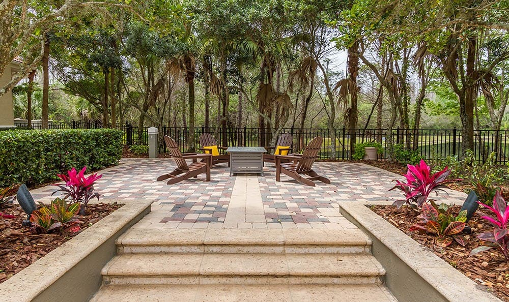 Patio Seating And Table at The Preserve at Tampa Palms in Tampa, FL