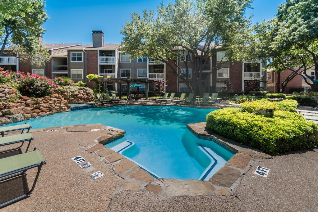 Pool With Expansive Deck at South Pointe Apartments in Dallas