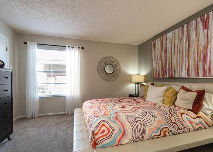 The Carling on Frankford offers spacious 1 & 2 bedroom apartments for rent in Carrollton