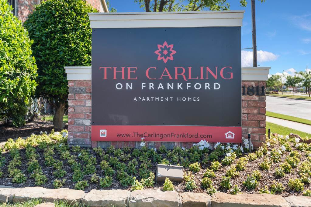 Signage at The Carling on Frankford in Carrollton, TX