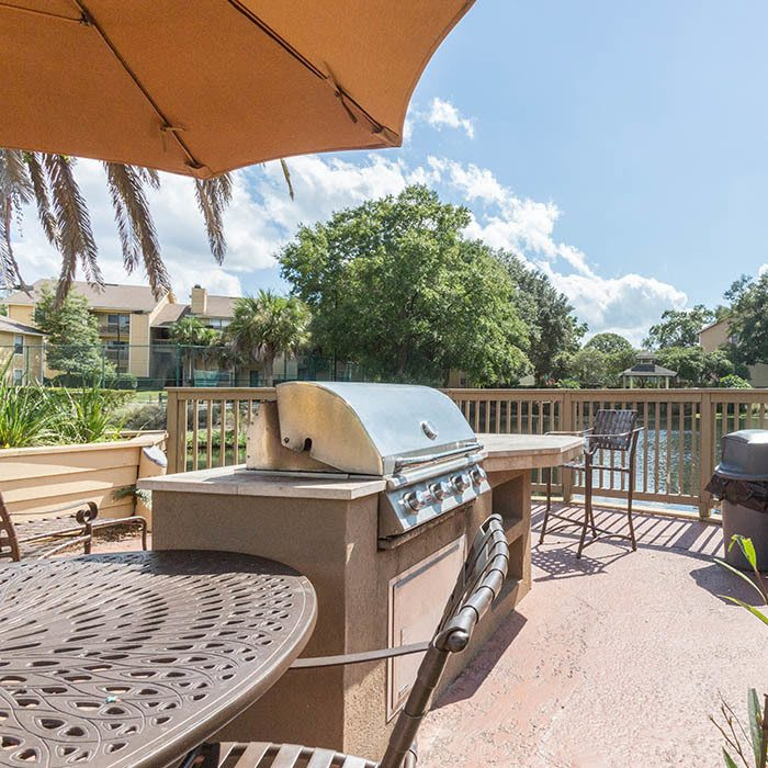 Autumn Cove offers an impressive list of features and amenities in Orange Park