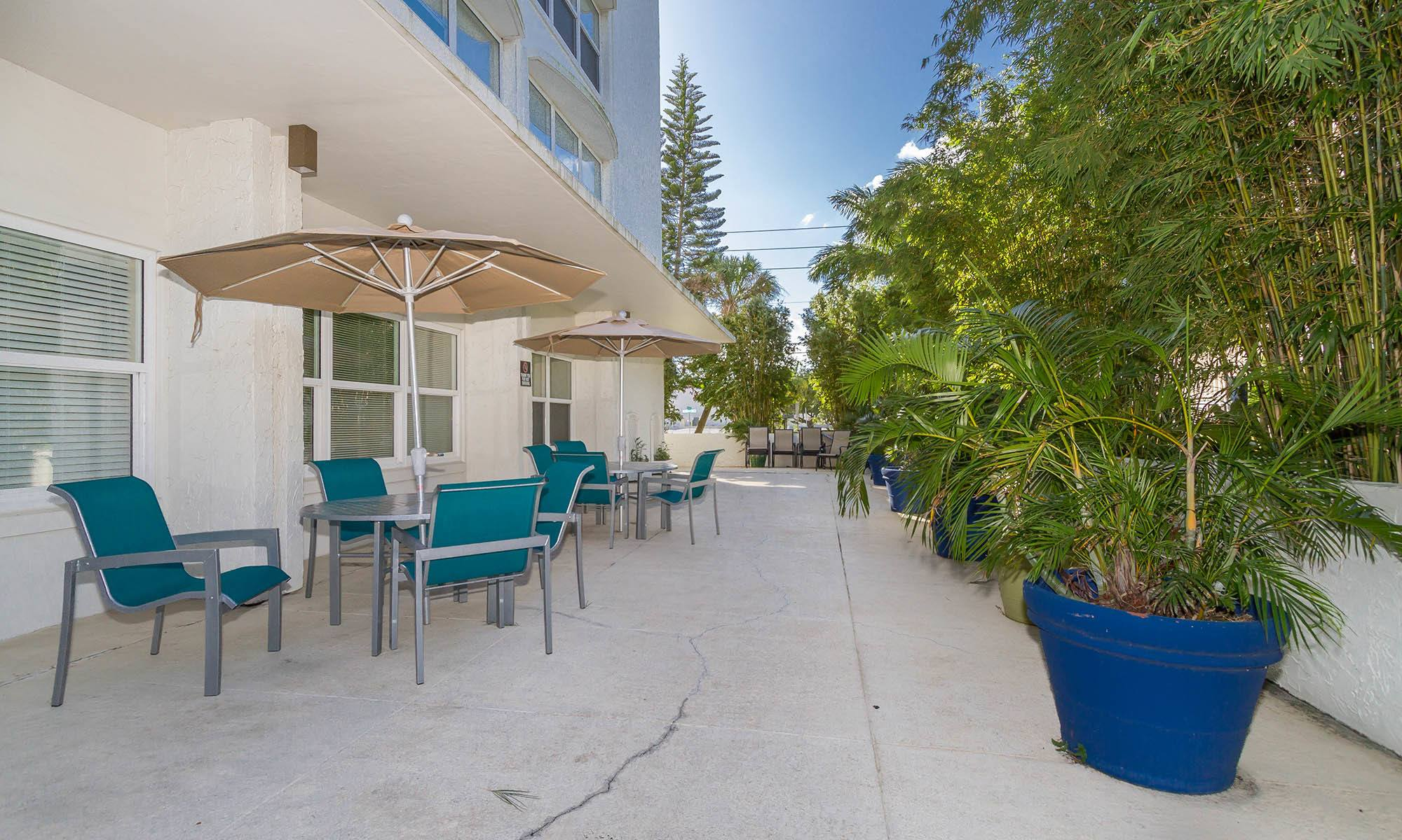 Welcome to Bay Pointe Tower in South Pasadena, FL