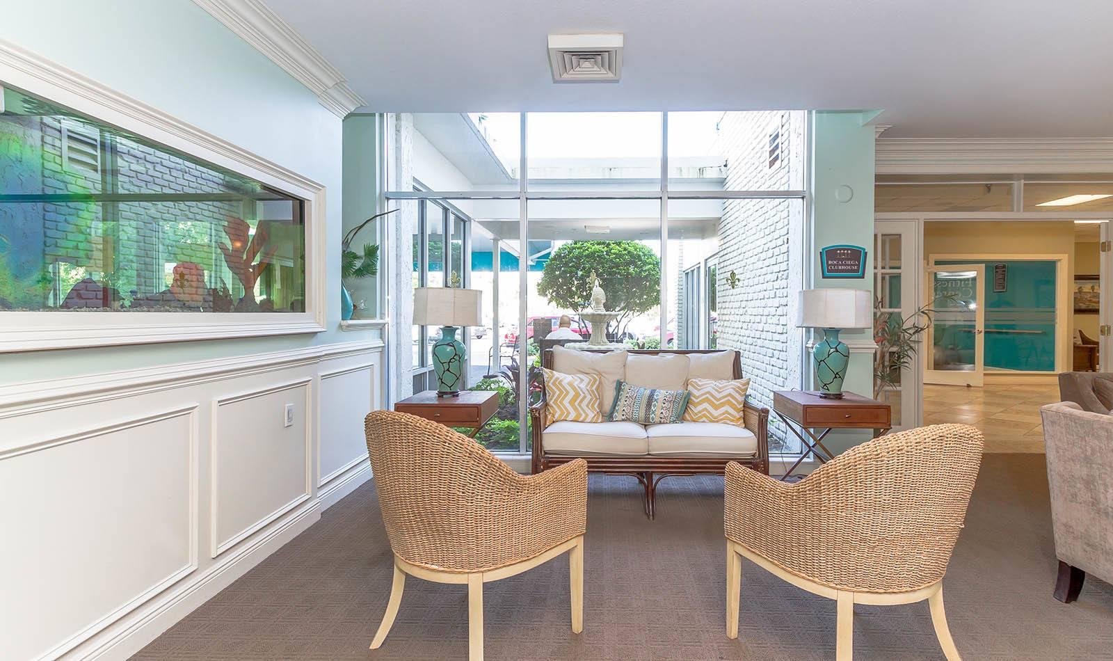 Lounge at Bay Pointe Tower in South Pasadena, FL