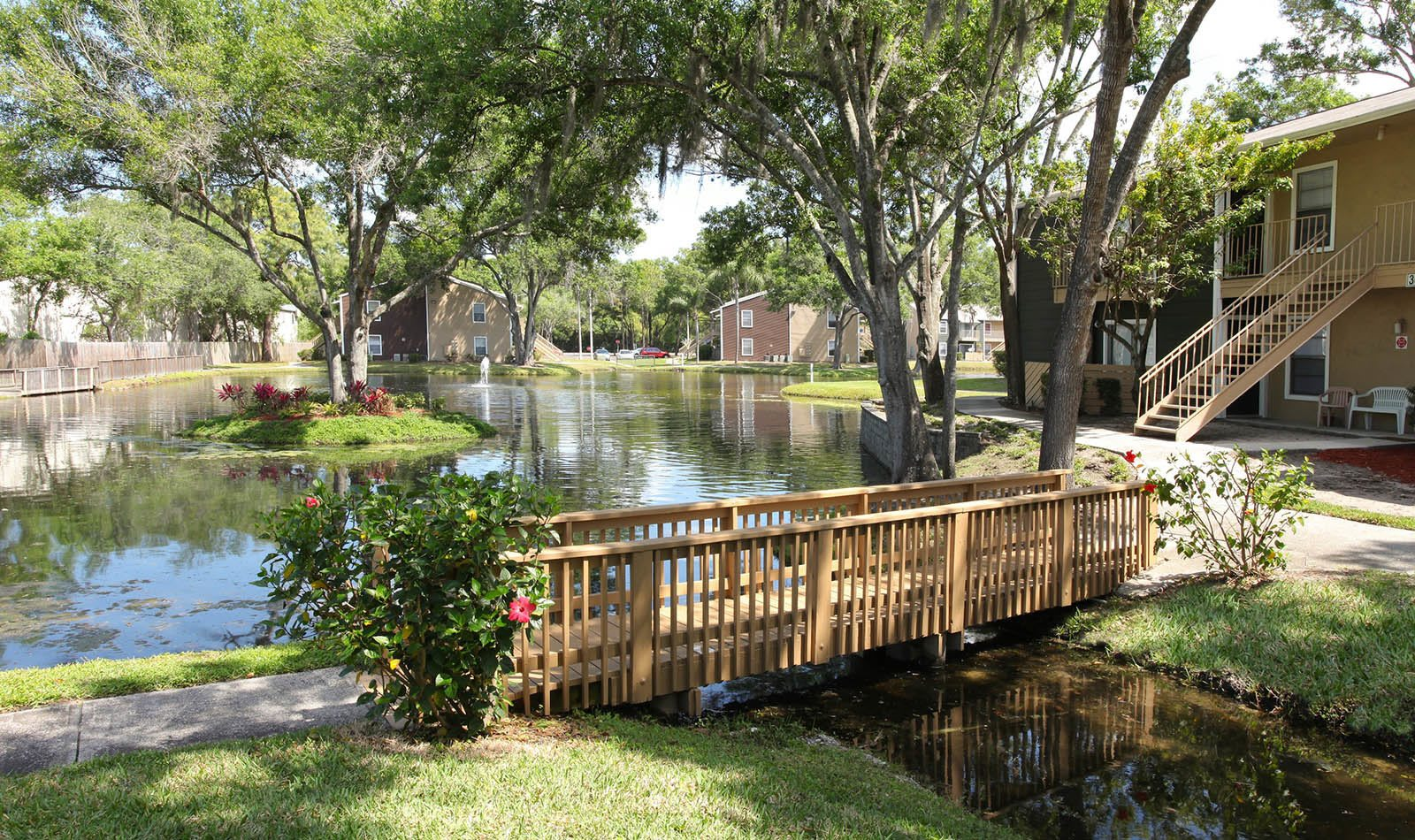Bridge at Coopers Pond Apartments in Tampa, FL