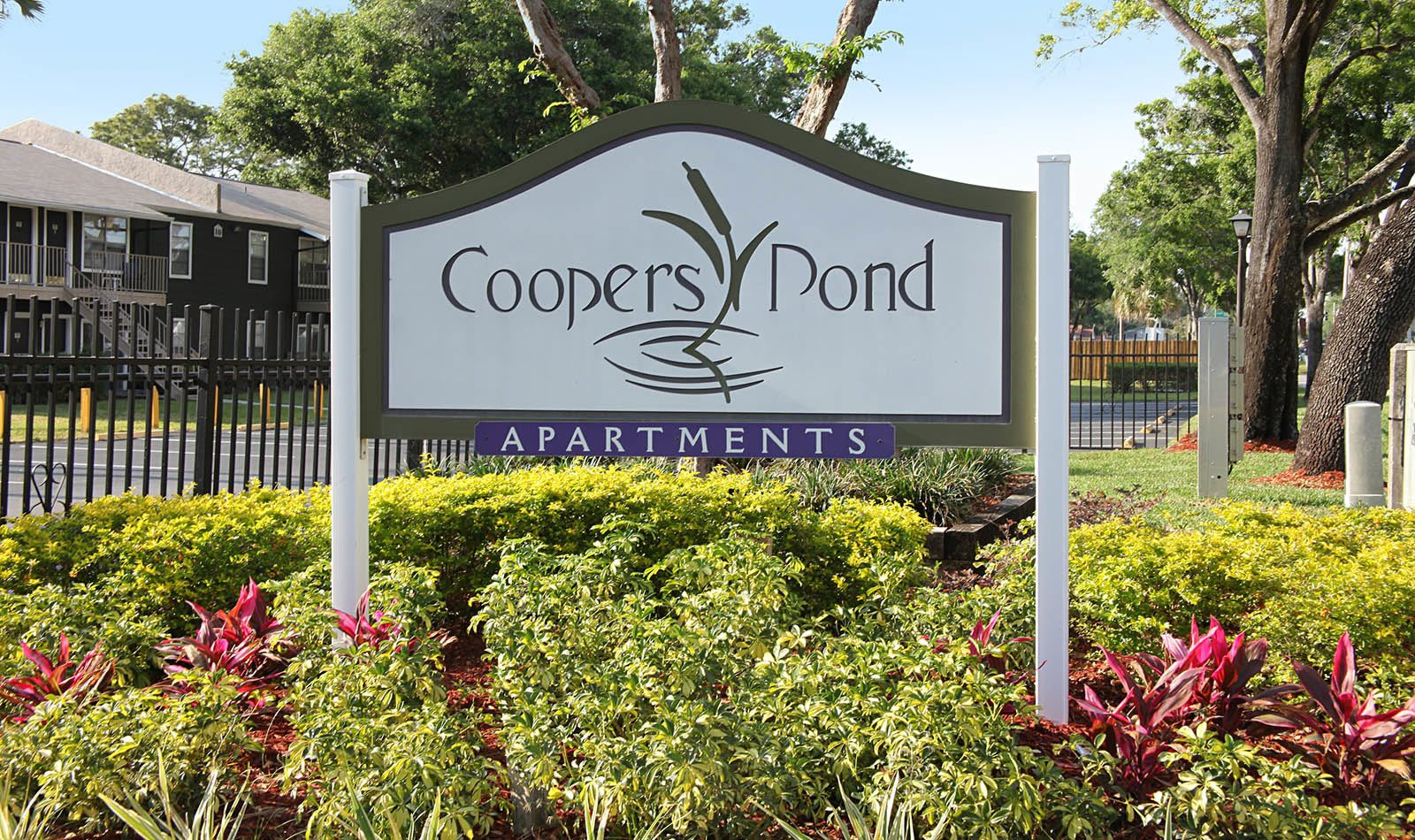 Signage at Coopers Pond Apartments in Tampa, FL