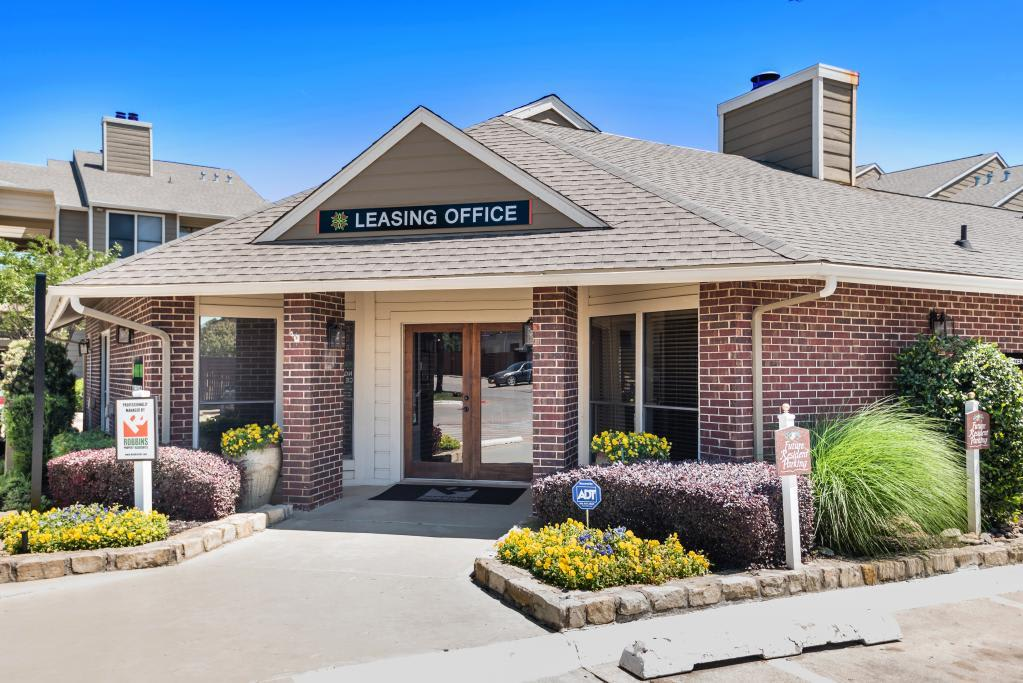 Leasing Office at Heritage Park in Arlington, TX