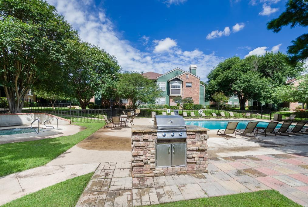 Pool Deck With Bbq at Landmark at Amelia Ridge in Round Rock