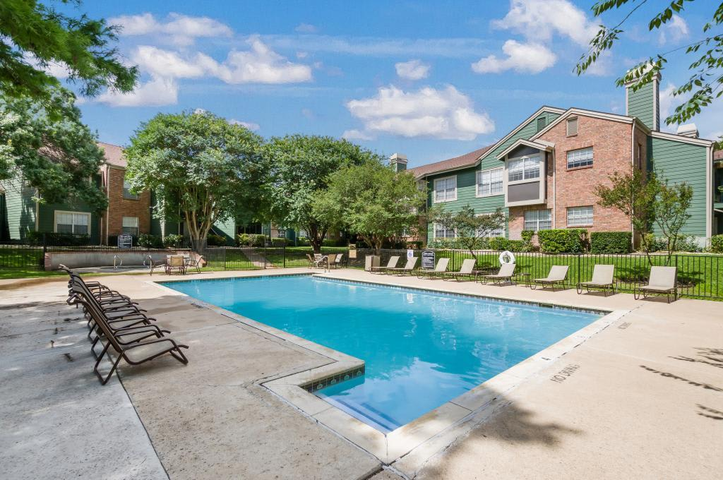 Pool Deck at Landmark at Amelia Ridge in Round Rock