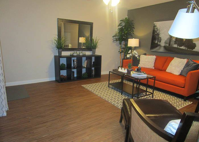 Landmark at Kendall Manor offers spacious 1 & 2 bedroom apartments for rent in Houston