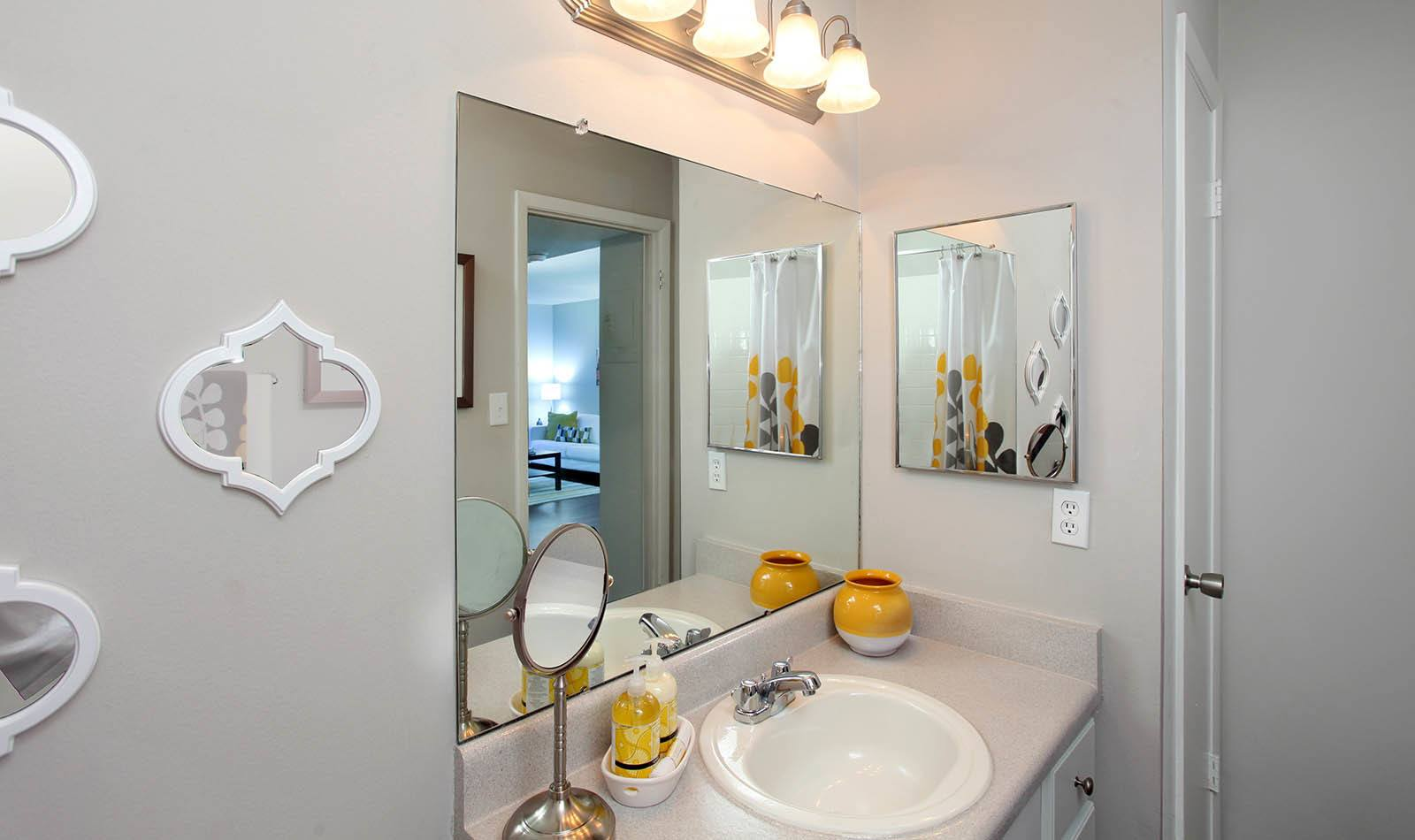 Bathroom at Legend Oaks Apartments in Tampa