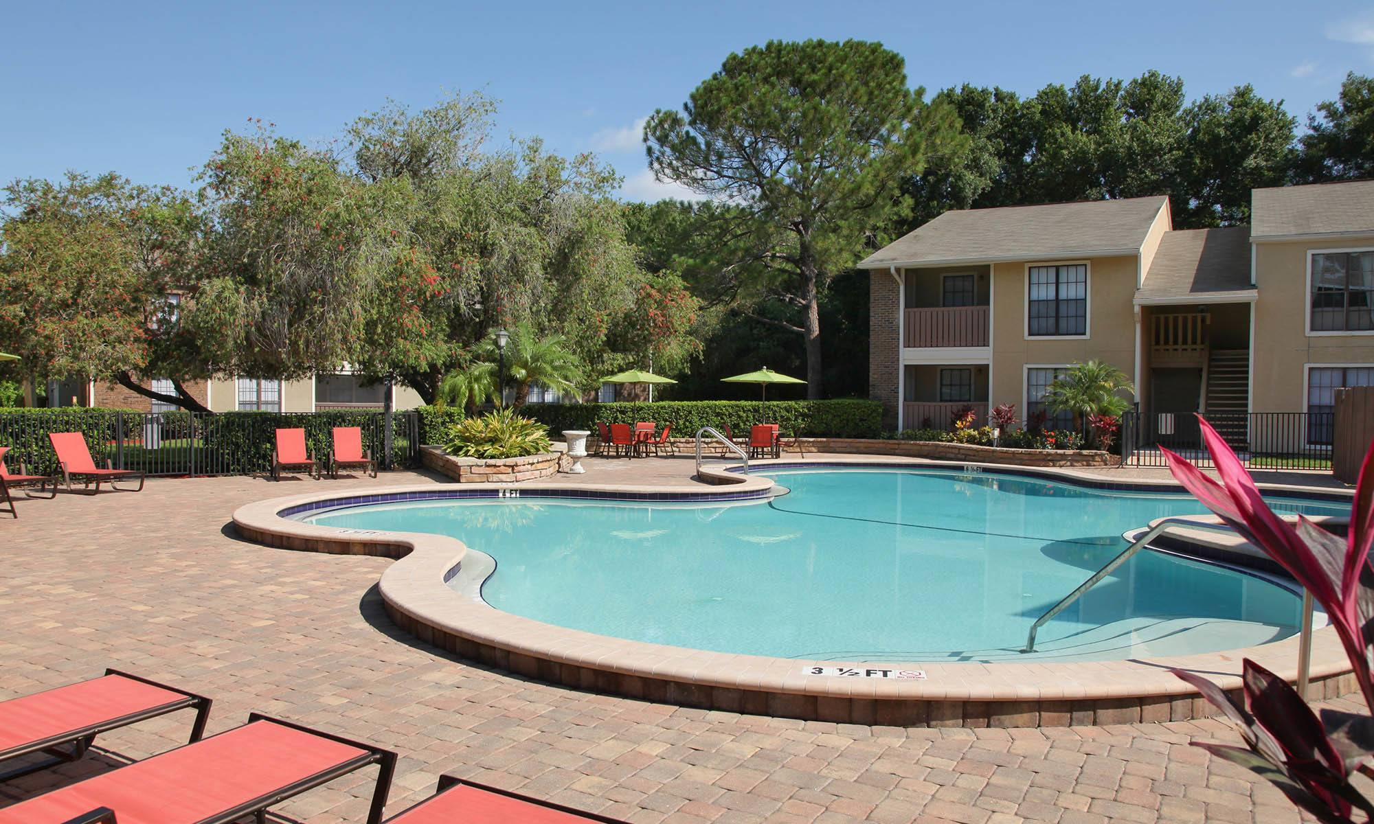 Welcome to Legend Oaks Apartments in Tampa, FL
