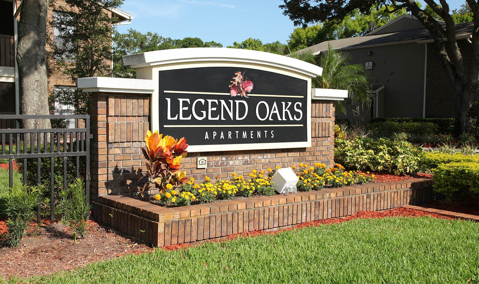 Signage at Legend Oaks Apartments in Tampa