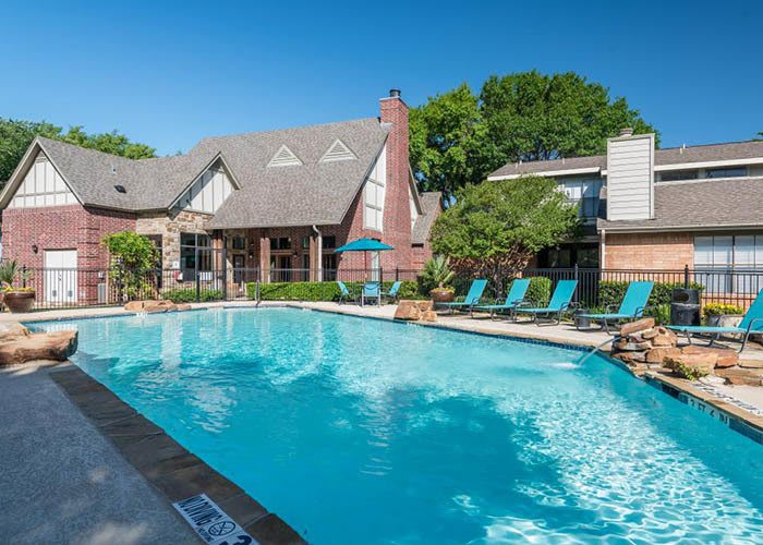 Lofton Place offers an impressive list of features and amenities in Fort Worth