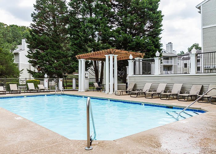 Bridges at Mallard Creek offers an impressive list of features and amenities in Charlotte