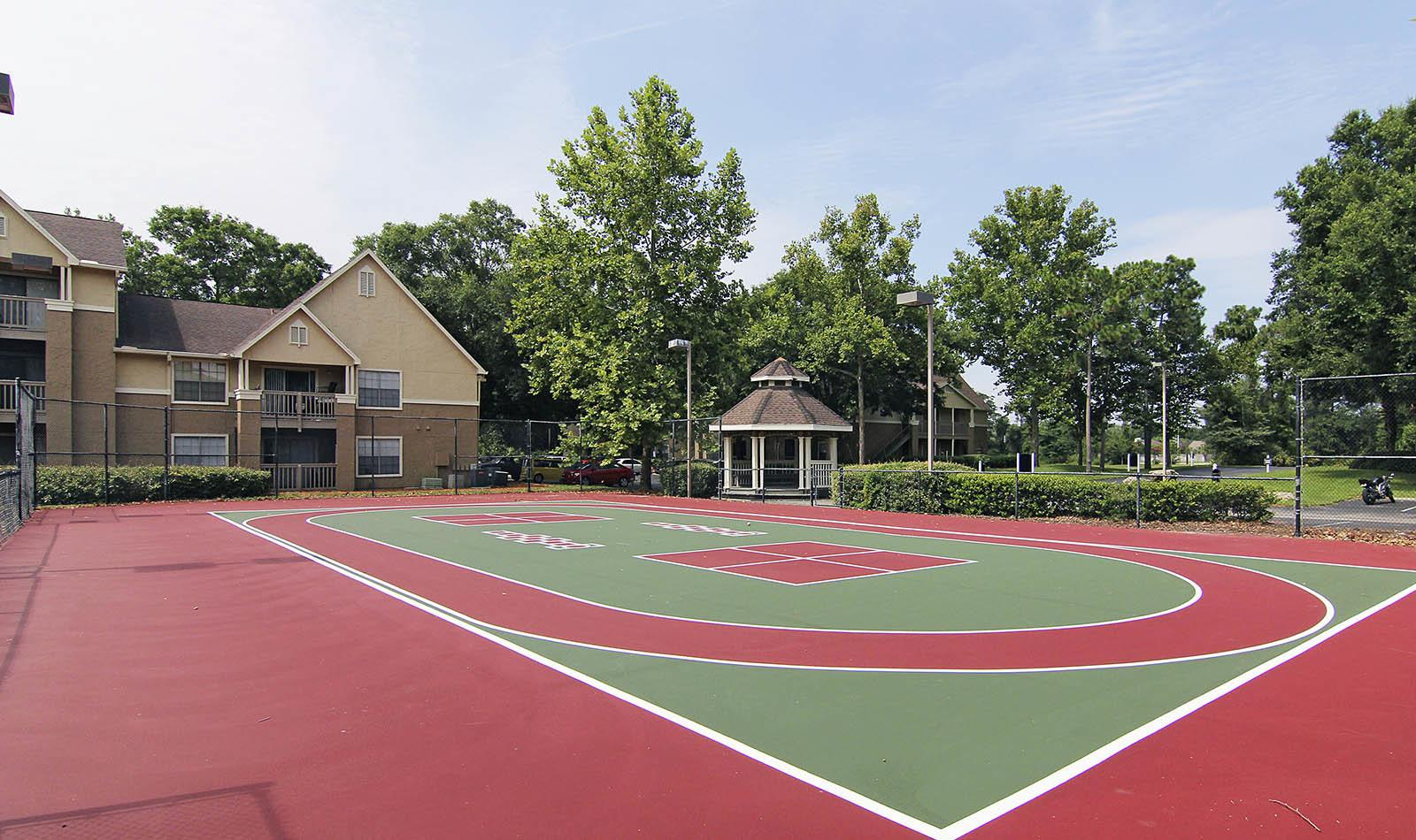 Tennis courts at apartments in Jacksonville, FL