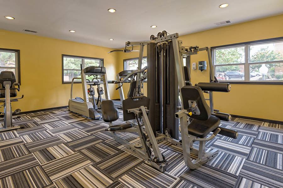 Fitness center at apartments in Richmond