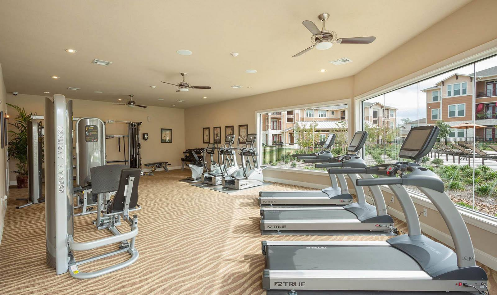 Fitness center at Parkway Grande in San Marcos, TX