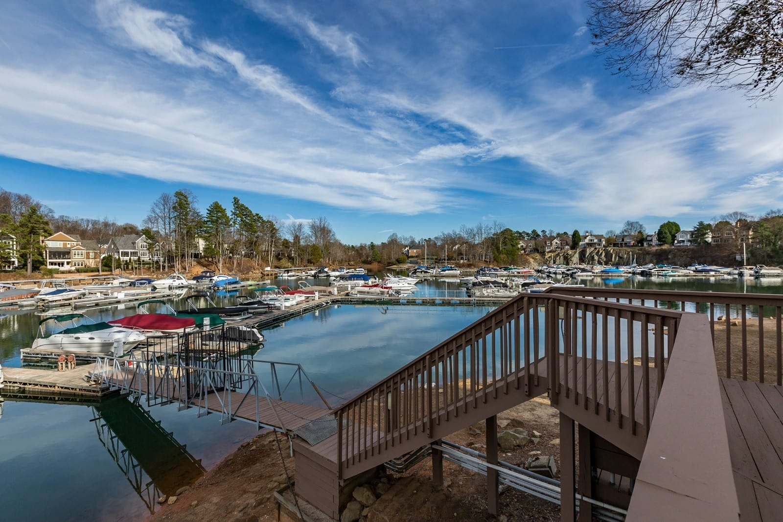 Sailpointe at Lake Norman offers an impressive list of features and amenities in Cornelius